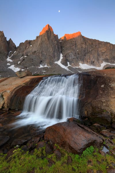 Cirque of the Towers Sunrise Wind RIver Mountains Wyoming