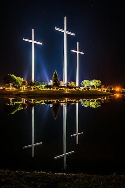 Crosses in reflection