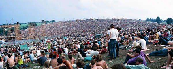Panorama Woodstock crowd