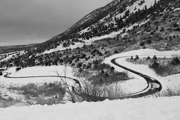 Colorless Snow Covered Bend