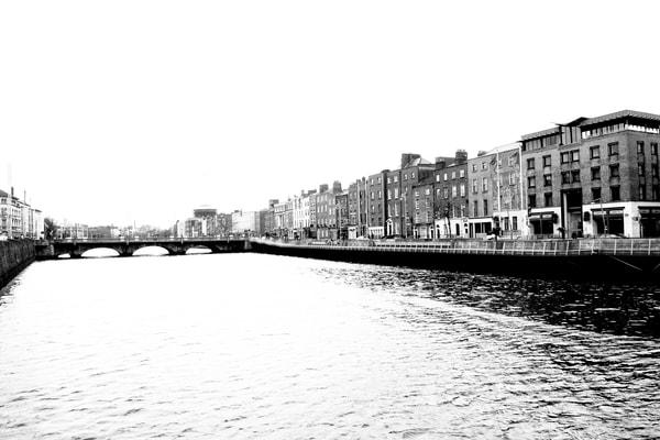 Dublin River Liffey DSC_4172.jpg BW