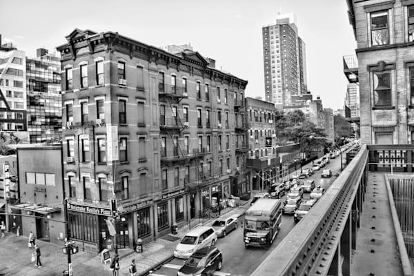 NYC Artichoke Basilles Pizz DSC_0086 bw.jpg
