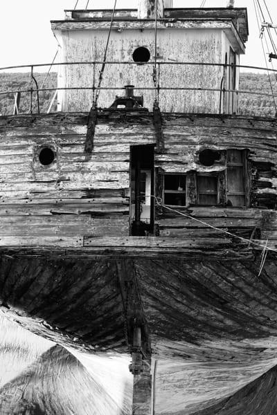 L'Accalmie Shipwreck - BW - Prints