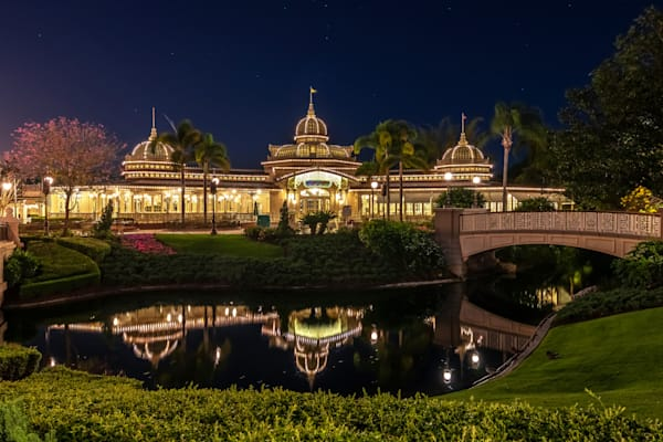 Crystal Palace Reflections - Disney World Pictures | William Drew Photography