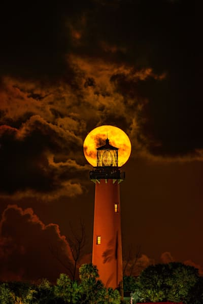 jupiterlighthouse moon