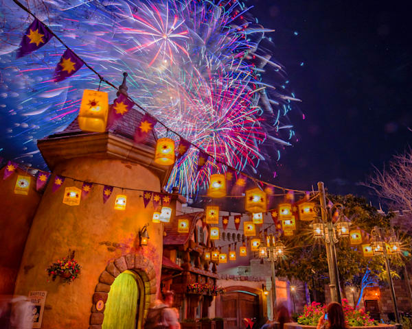 Tangled Fireworks Finale - Disney World Images