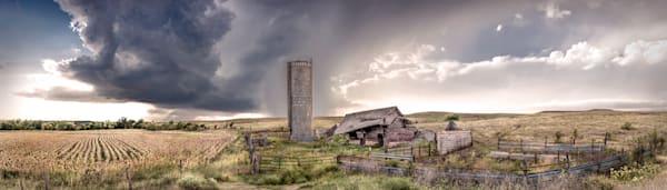 Americana color photograph: Derelict Barn, the Kansas Flint Hills, by fine art photographer, David Zlotky.