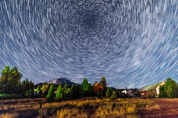 Starry night and Mt. Shasta