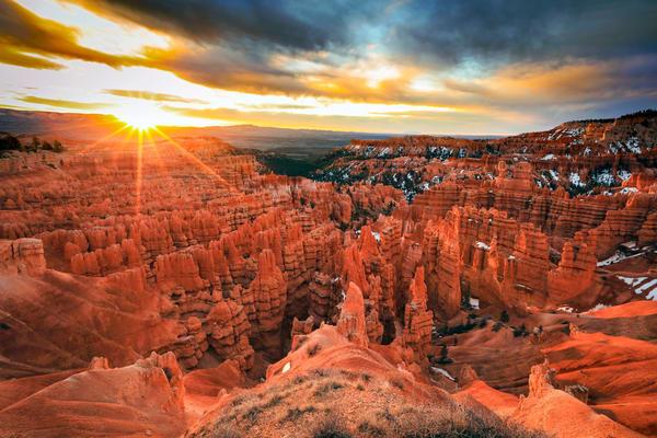 bryce canyon spring sunrise