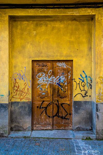 door, lugo, spain, graffiti, yellow, oak