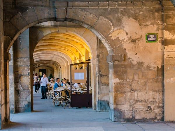 Dining at Place des Vosges