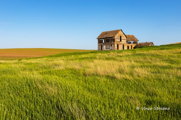Abandoned farmhouse on the Palouse in Washington state