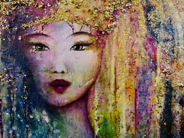 Queen of Heaven close up