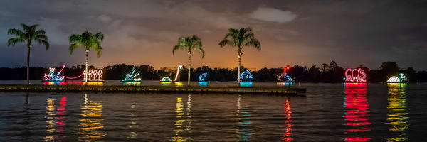 Disney  Electrical Water Pageant - Disney World Pics | William Drew