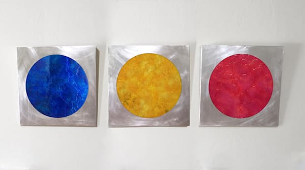 Blue Yellow Red Hole
