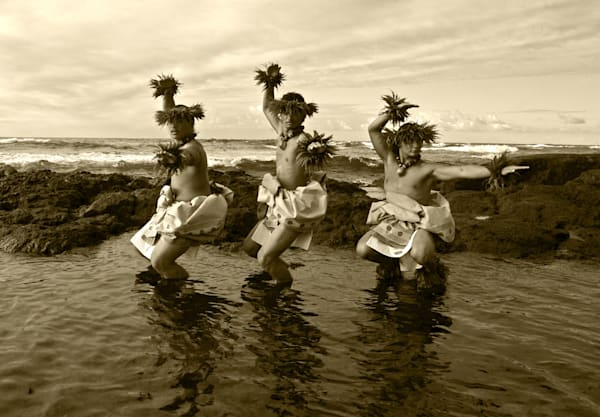 Hula men sepia