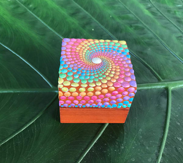 Rainbow Ring Box (C)