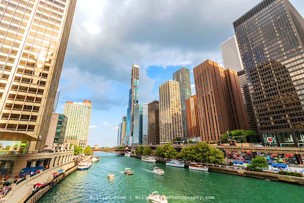 Chicago River at Michigan Avenue - Cityscape Removable Wallpaper
