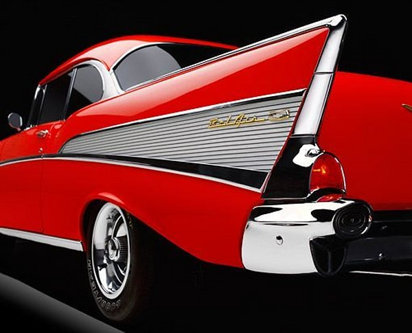 Kelly Bandalos / Red '57 Fin