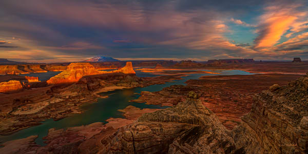Drama of Sunset-Lake Powell
