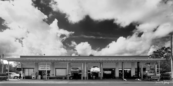 Black and White Photogrtaphy by Thomas Wyckoff - Alfresco Maintenance