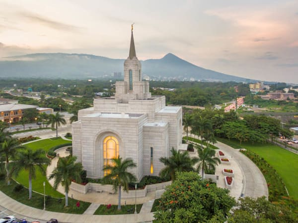 San Salvador El Salvador Temple - Ensign