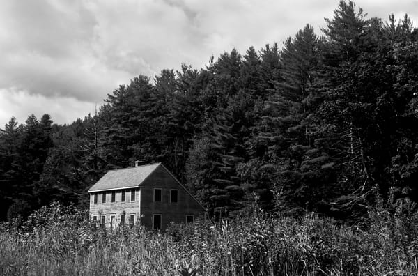 A Home In The Hills  Photography Art | Peter Welch