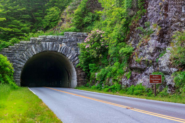 Devils Courthouse Tunnel Art   Red Rock Photography