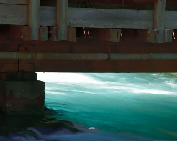 Turquoise Metolius Under The Brdige