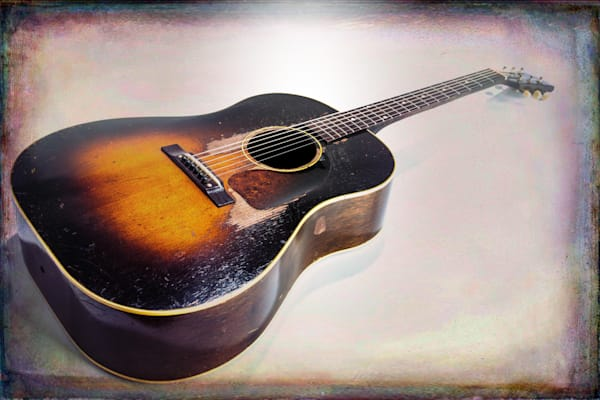 401.1834 Gibson J45 In Color