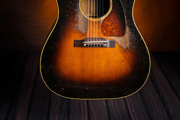 423.1834 Gibson J45 In Color