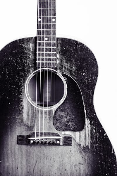 447.1834 Gibson J45 In Black and White