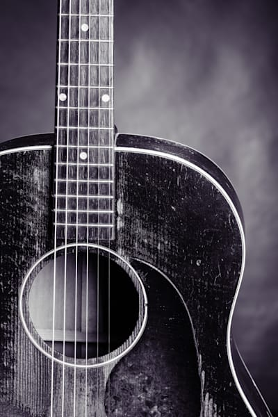 470.1834 Gibson J45 In Black and White