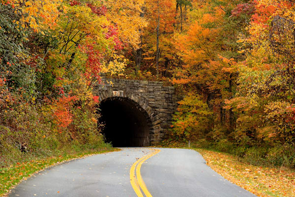 Fork Mtn Tunnel Art   Red Rock Photography