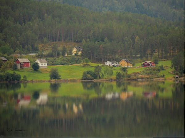 Hornindal Reflection