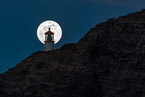 Makapuu Moon Kiss