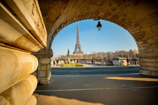 Parisian Curves Art | Earth Trotter Photography