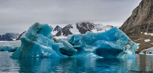 Iceberg 1 Panorama 1 Lum Photography Art | RaberEYES