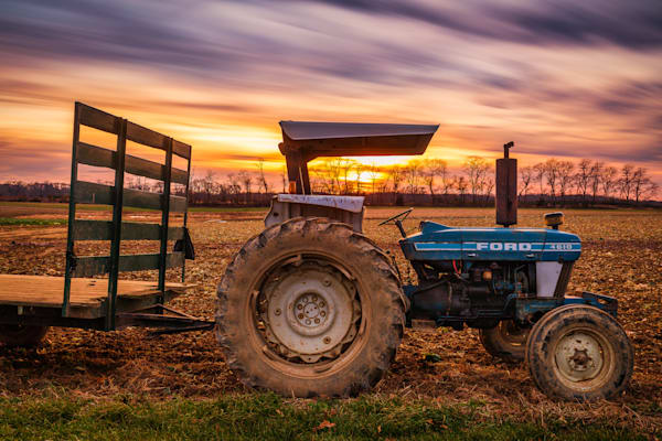Ford 4610 Sunset