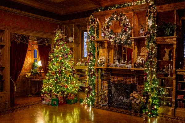 Victorian Holiday Tree 2