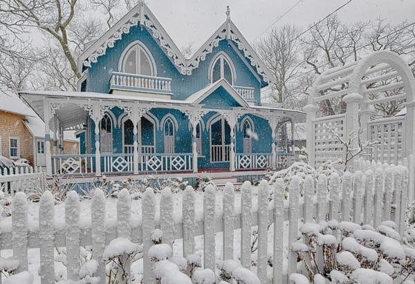 Oak Bluffs Gingerbread Snow Fence