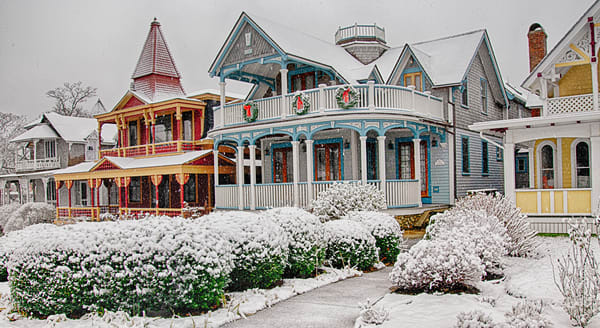 Oak Bluffs Gingerbread Wreathes