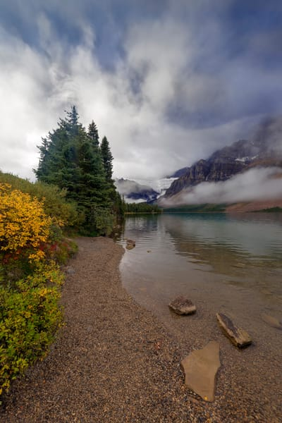 Bow Lake and Crowfoot Glacier under a cloudy sky.|Banff National Park|Canadian Rockies|Rocky Mountains|