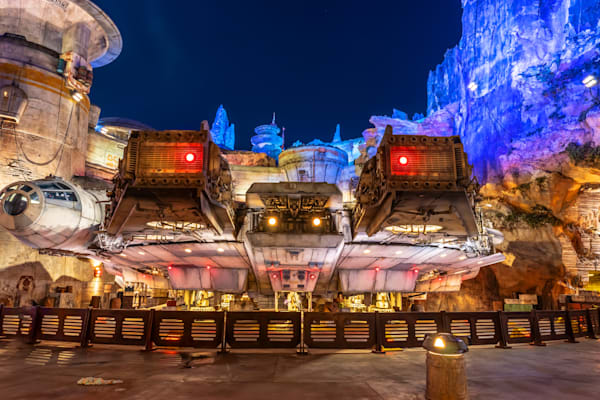 The Millennium Falcon - Star Wars Land Photos | William Drew Photography