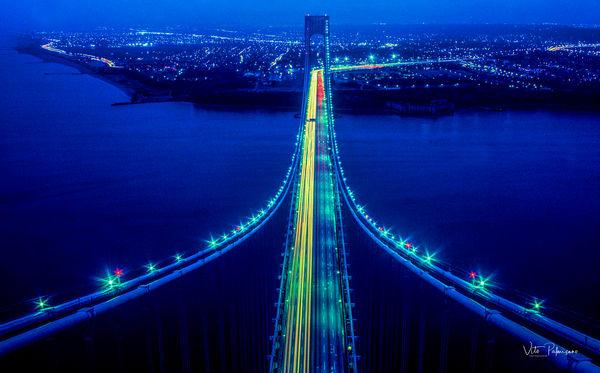 Verranzano Bridge Dusk, NY._USA