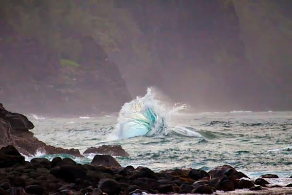 Twisting Wave at Ke'e Beach, Kauai