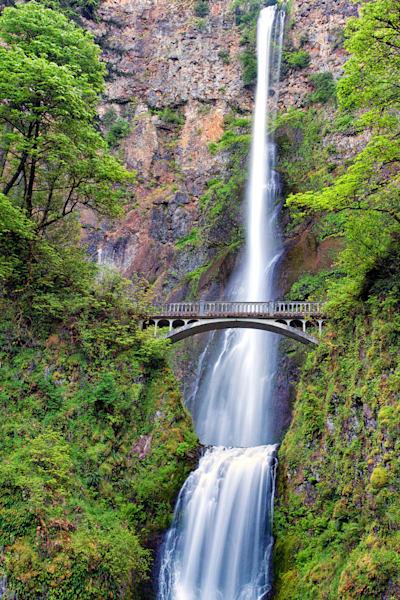 Multnomah Falls, and bridge, Columbia River