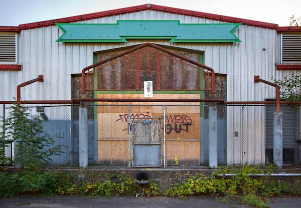 001   facade ylyzos
