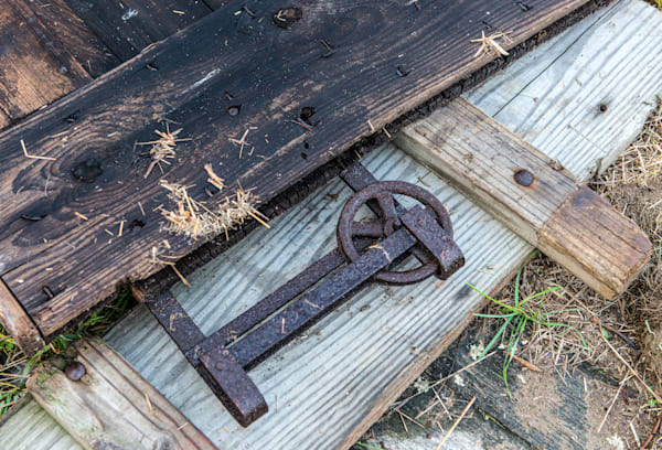 Sliding barn door hardware