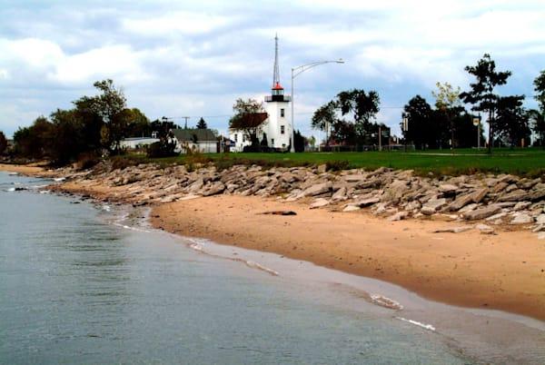 Escanaba Lighthouse Art | DocSaundersPhotography
